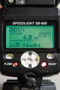En mode manuel, le flash peut faire tous les calculs